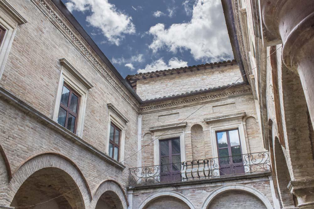 Urbino e le nobili terre del Ducato di Montefeltro