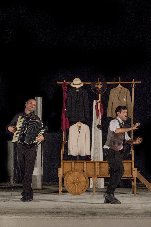 """Al Teatro Verde di Termoli arriva """"Il mercante di monologhi"""" di Matthias Martelli."""